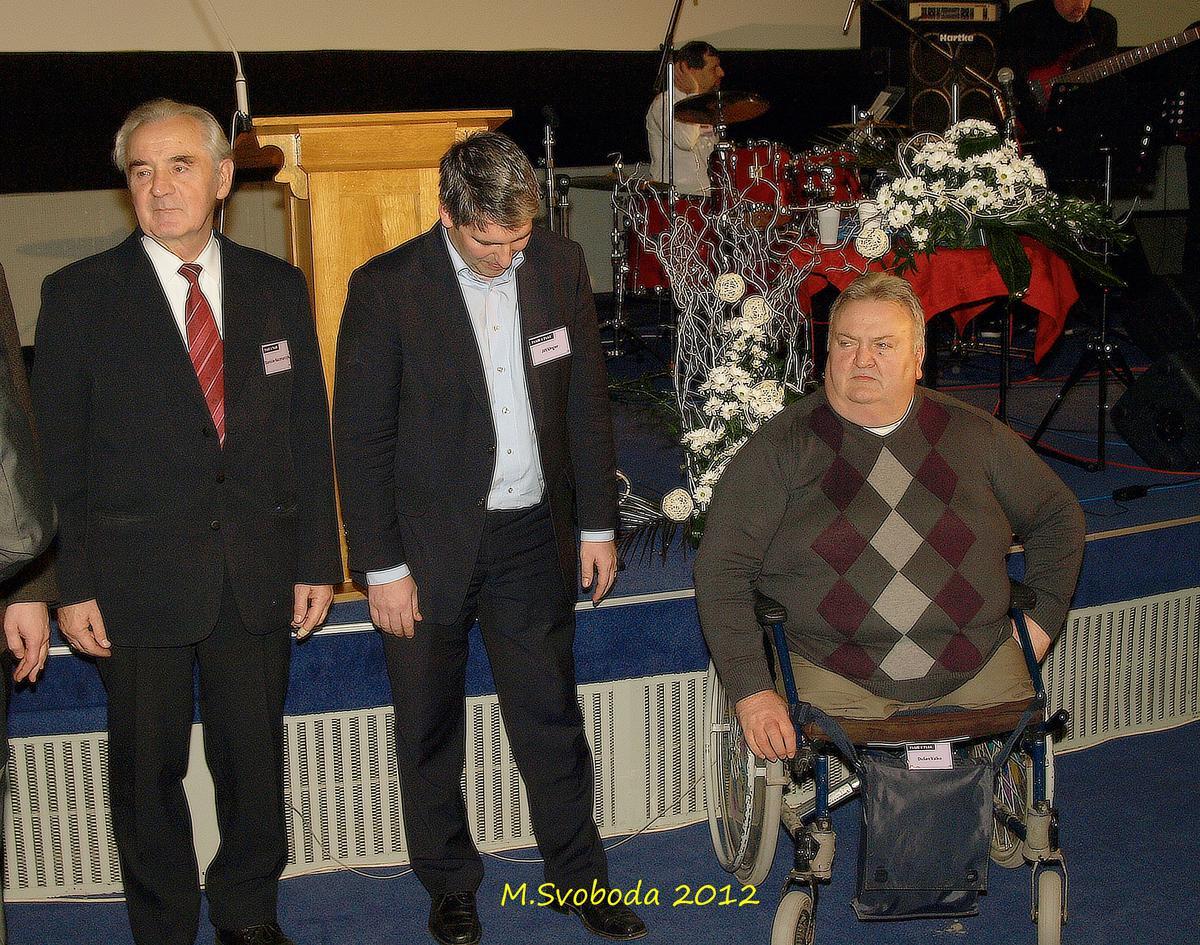 Řečníci a Dušan se silným svědectvím